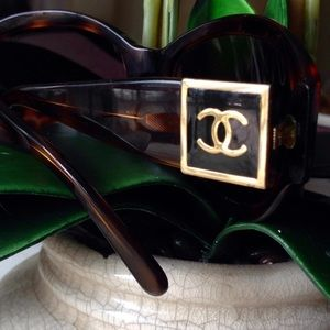 CHANEL Sunglasses ❤️